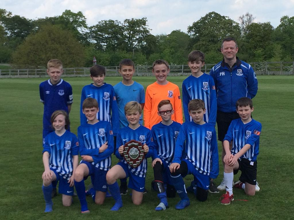 U12s with the 2018-19 season League winners shield
